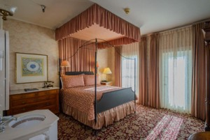 Welcome To The Mendocino Hotel and Garden Suites - Garden Suite