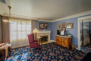 Welcome To The Mendocino Hotel and Garden Suites - King Room