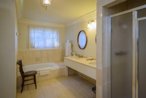 Welcome To The Mendocino Hotel and Garden Suites - Private Bathroom